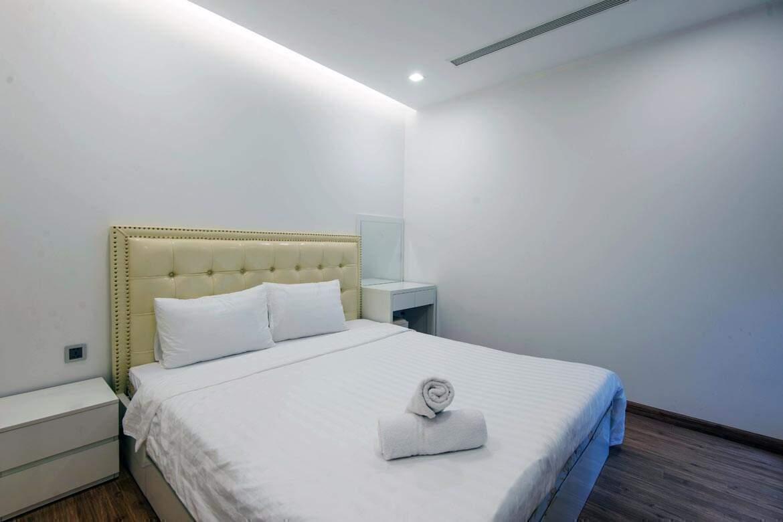 Wood-floor-bedroom